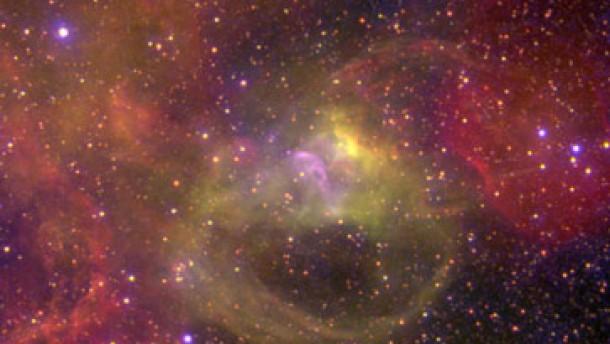 Überhitzte Nebel im Kosmos
