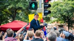 Komiker Otto Waalkes bekommt eigene Ampeln in Emden