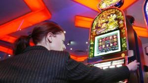 Kasinos müssen Spielsüchtige strenger kontrollieren