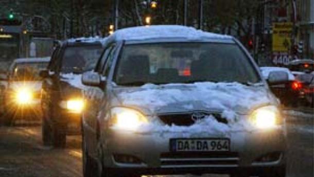 Winterwetter legt Verkehr in Teilen Deutschlands lahm