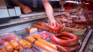Deutsche sollen nur noch halb so viel Fleisch essen