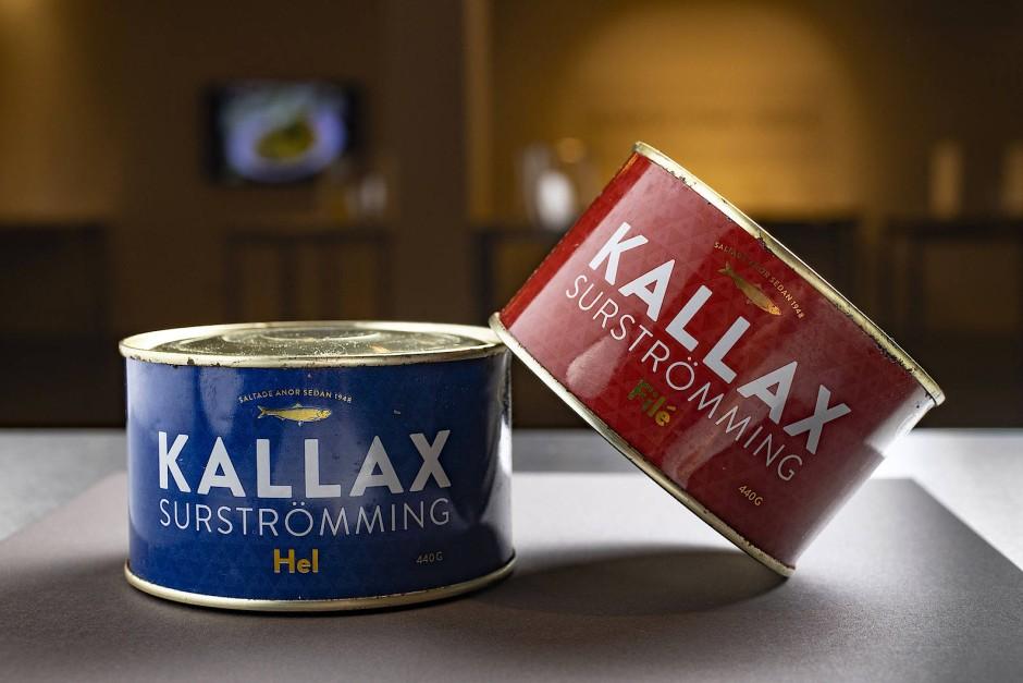 Nur für harte Mägen: Surstroemming aus Schweden ist ein in Salzlake vergorener Hering, der in der Dose weitergärt.