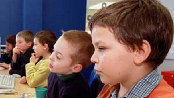 Psychologen raten: Den Kindern keine heile Welt vortäuschen