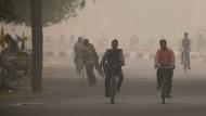 Die Sicht in Delhi beträgt unter 200 Metern wegen der Luftverschmutzung.
