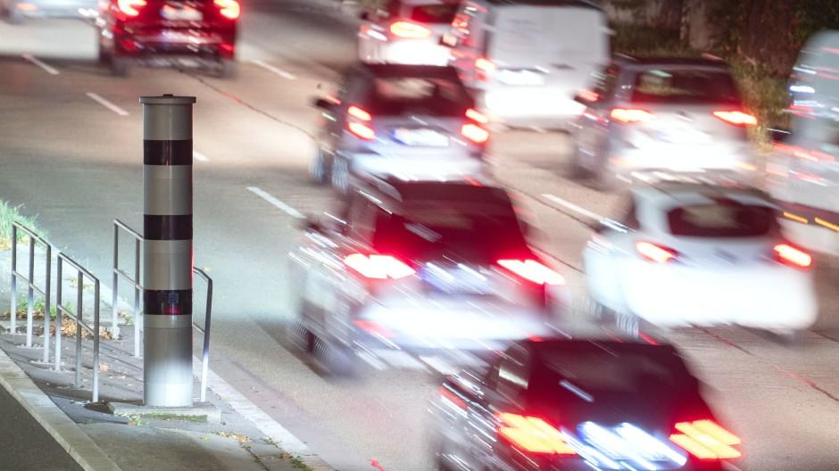 Die Regelungen zu Punkten in Flensburg bei zu schnellem Fahren bleiben unverändert.