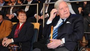Helmut Schmidt hat eine neue Partnerin