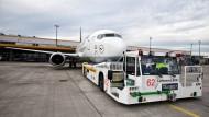 Den A380 zum Fliegen schleppen