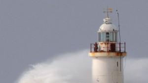 Tote durch Winterstürme - Neuer Sturm zieht auf