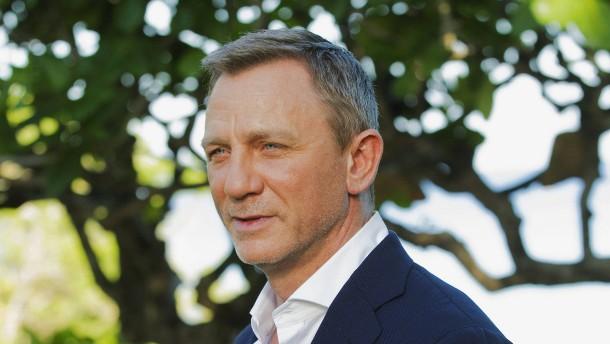 James Bond bleibt ein Mann