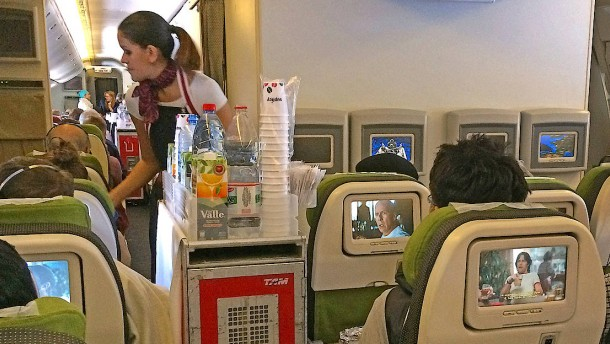 Airlines sollen bei Verletzungen durch Kaffee haften