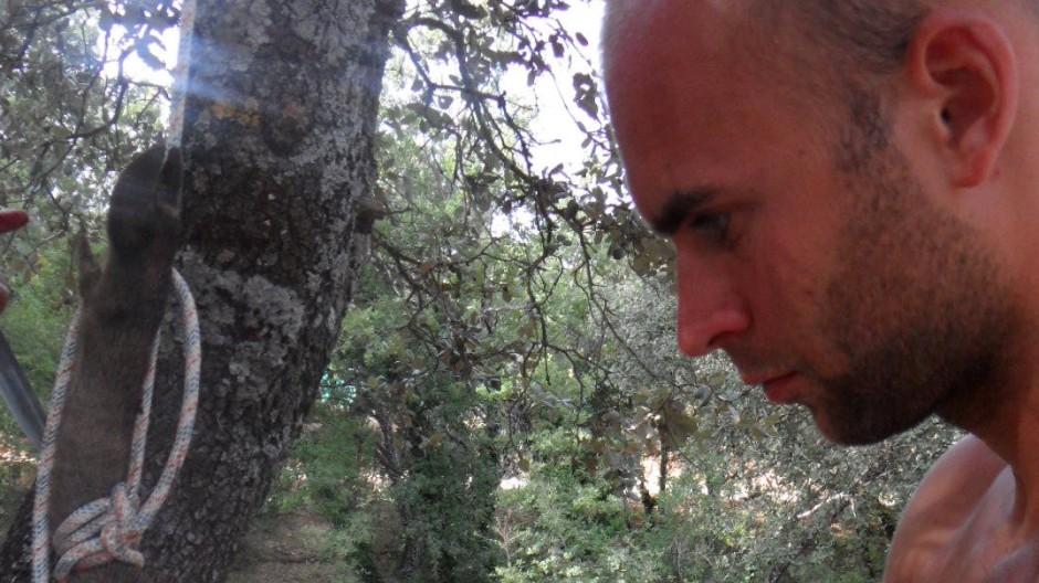 In Höhlen schlafen und essen, was man erlegt hat: Timo Bartel hat an einer wissenschaftlichen Studie teilgenommen
