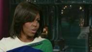 First Lady Michelle Obama hat David Letterman in seiner Talkshow einen Besuch ab- und verwechselte ihn - scherzhaft - mit einer anderen Talkshow-Ikone.
