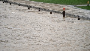 Promenade in Düsseldorf überschwemmt