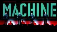 Verlangen von Pelham Schadensersatz: Die Musiker von Kraftwerk in Montreux 2005