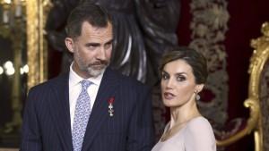 Die spanische Königin und  das Scheißblatt