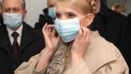Timoschenko forderte dazu auf, sich selbst Gesichtsmasken zu nähen