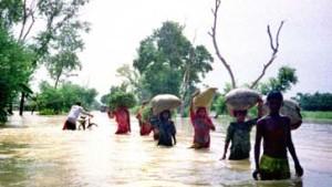 Weltweit Regenfälle und Überschwemmungen