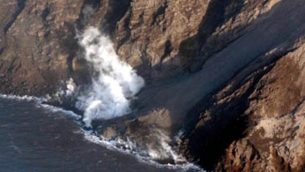 Gewaltige Explosion reißt Krater des Stromboli ein