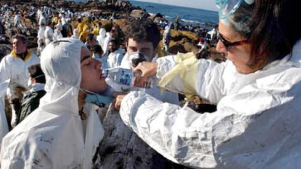 """""""Spanisches Tschernobyl"""": Krisenstab soll Ölpest eindämmen"""