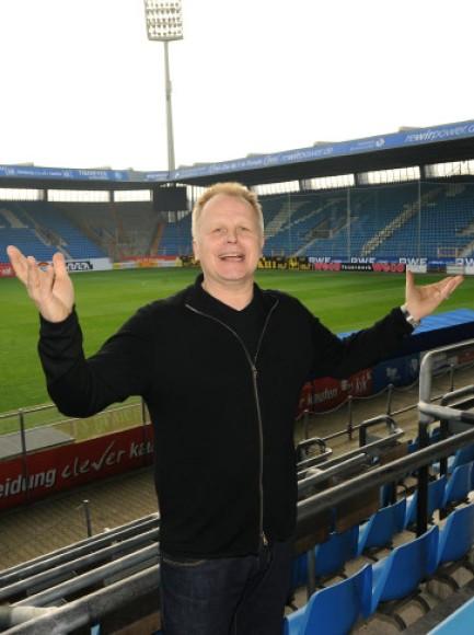 Promi: Herbert Grönemeyer gibt Benefizkonzert im Bochumer Stadion