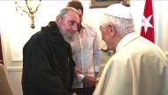 Der Papst trifft Fidel Castro