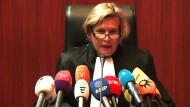 Linienrichter zu Tode getreten: Lange Haftstrafen
