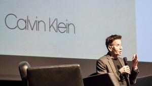 Calvin Klein in alter Größe