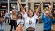 Mädchen bei einem K-Pop-Tanz-Event in Frankfurt
