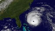 Hurrikan Earl bewegt sich auf die amerikanische Ostküste zu