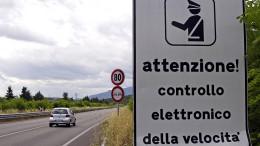 Italienisches Dorf blitzt mehr als 58.000 Raser in 14 Tagen