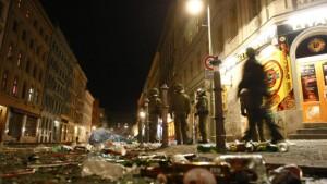 Straßenschlachten in Berlin und Hamburg