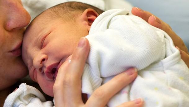 Neugeborenes nach Behandlung frei von HI-Viren