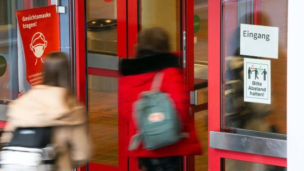Der Streit um (geöffnete) Schulen tobt