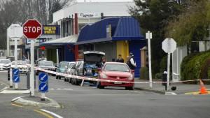 Mann erschießt zwei Menschen im Arbeitsamt