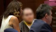 Der schuldig gesprochene Harry B. bei Beginn des Prozesses in Los Angeles im Gerichtssaal.