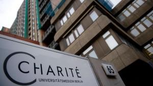 Politik setzt Charité wegen Missbrauchsvorwürfen unter Druck