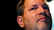 Ein banger Blick: Der Filmproduzent Harvey Weinstein muss wohl bald ins Gefängnis.