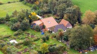 """Der Bauernhof in Ruinerwold: Die 18 bis 25 Jahre alten """"Kinder"""" sollen das Gelände seit 2010 nie verlassen und keine Schule besucht haben."""