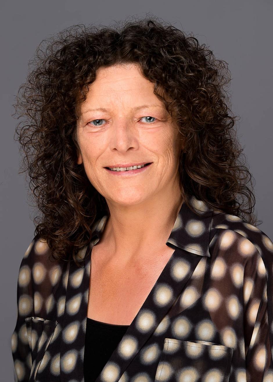 """Petra Söchting ist Psychologische Psychotherapeutin und seit 2012 Leiterin des Hilfetelefons """"Gewalt gegen Frauen"""" im Bundesamt für Familie und zivilgesellschaftliche Aufgaben."""