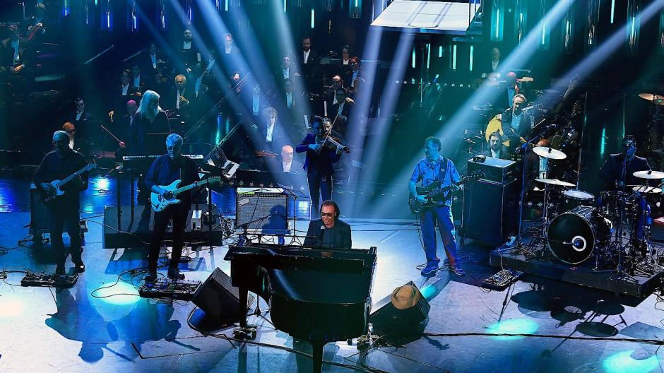 Antonello Venditti wird auf jeden Fall beim 69. Musikwettbewerb von Sanremo auftreten. Wie hoch er in der Gunst der Italiener steht, entscheidet sich im Februar.