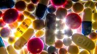 Durchschnittlich nehmen 80-Jährige acht verschiedene Medikamente am Tag.