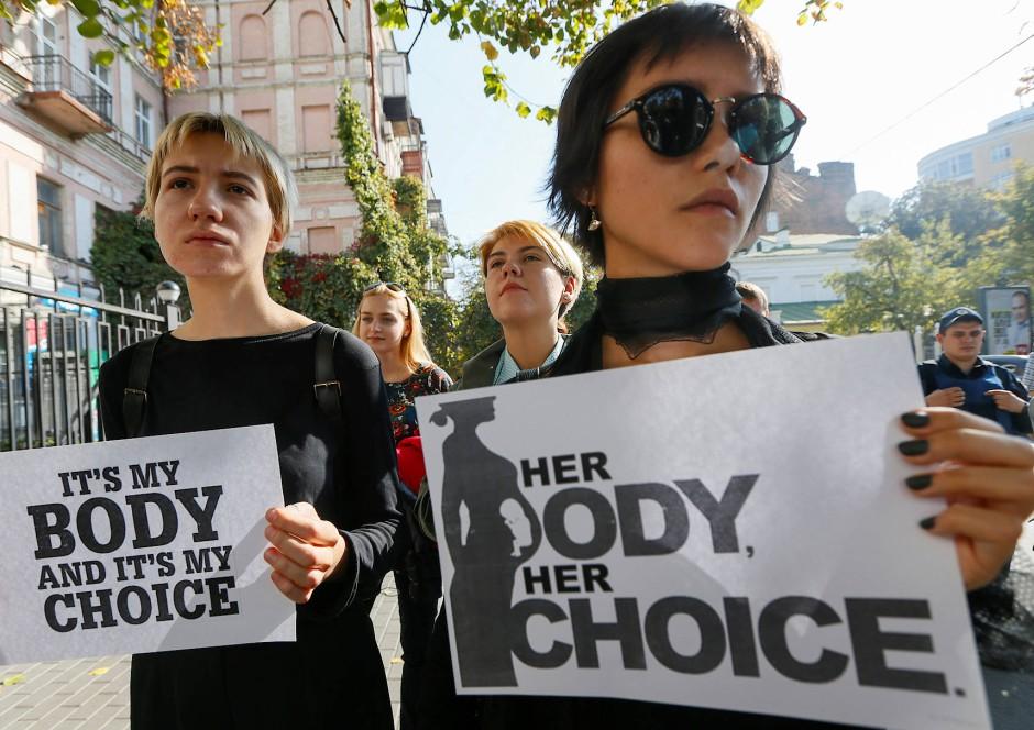 Als in Polen das Abtreibungsgesetz verschärft werden sollte, protestierten viele auf den Straßen.