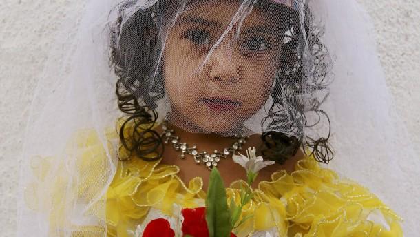 Etwa 1500 Kinder in Deutschland sind verheiratet