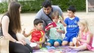 Arrangierte Treffen zum Spielen für einheimische und geflüchtete Kinder – So funktionieren die Family Playdates.