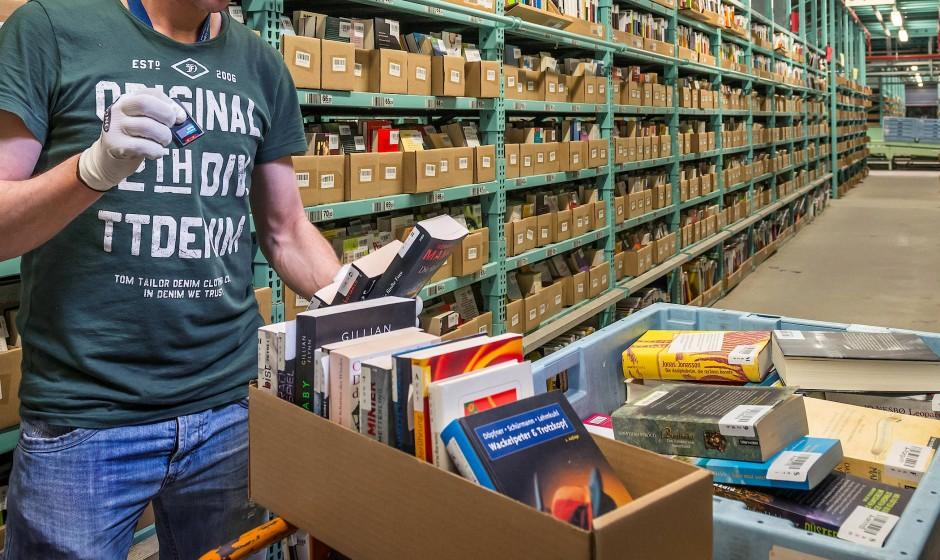 Den größten Teil des Umsatzes macht Momox mit Büchern. Doch der Handel mit Klamotten nimmt zu.