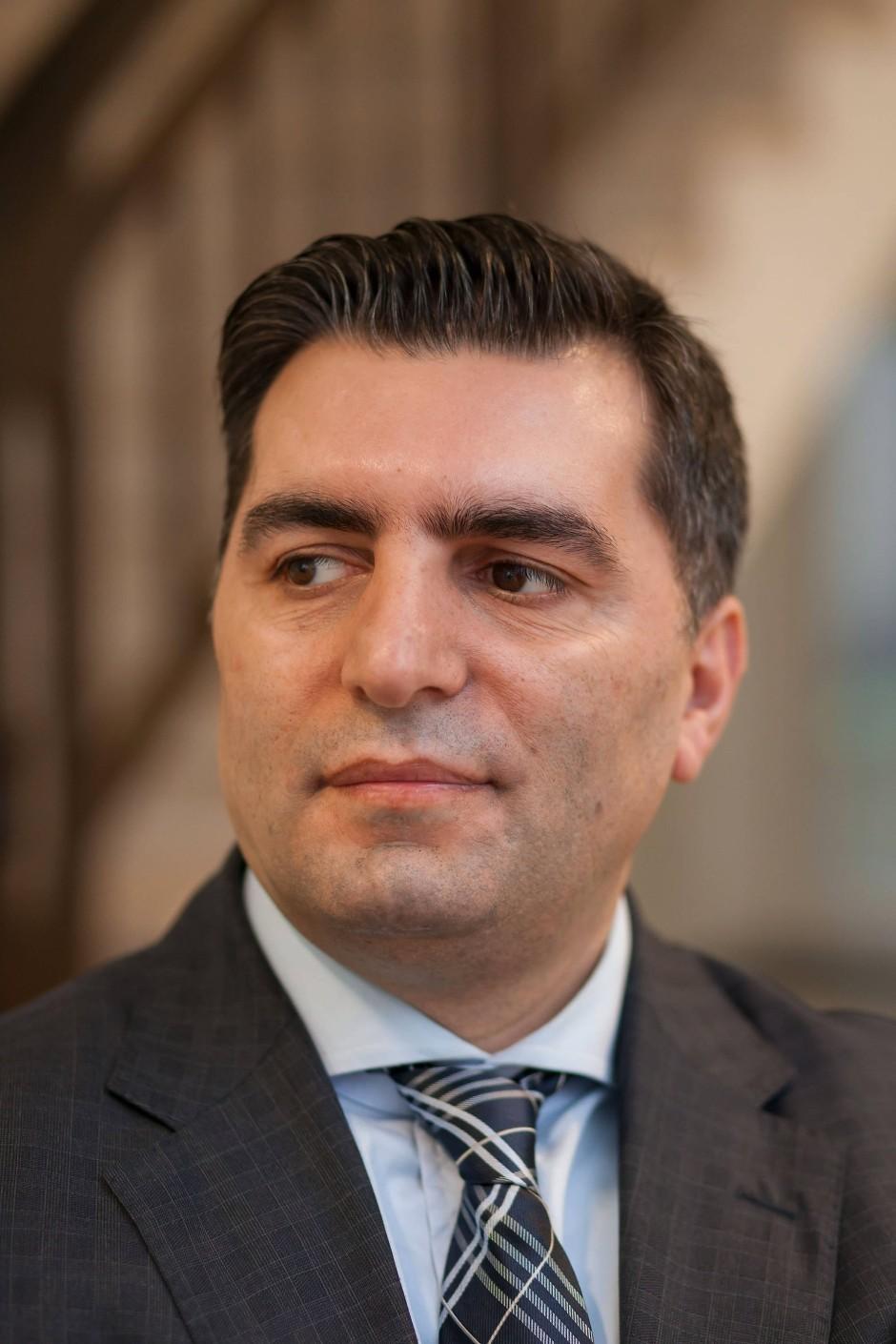 """Bülent Güven lernte kürzlich Deniz Yücel kennen. Die Verhaftung kritisiert er, trotzdem wird er für """"Ja"""" stimmen."""