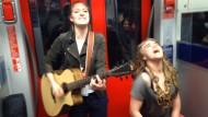 Spontankonzert in der S-Bahn wird zum Internethit