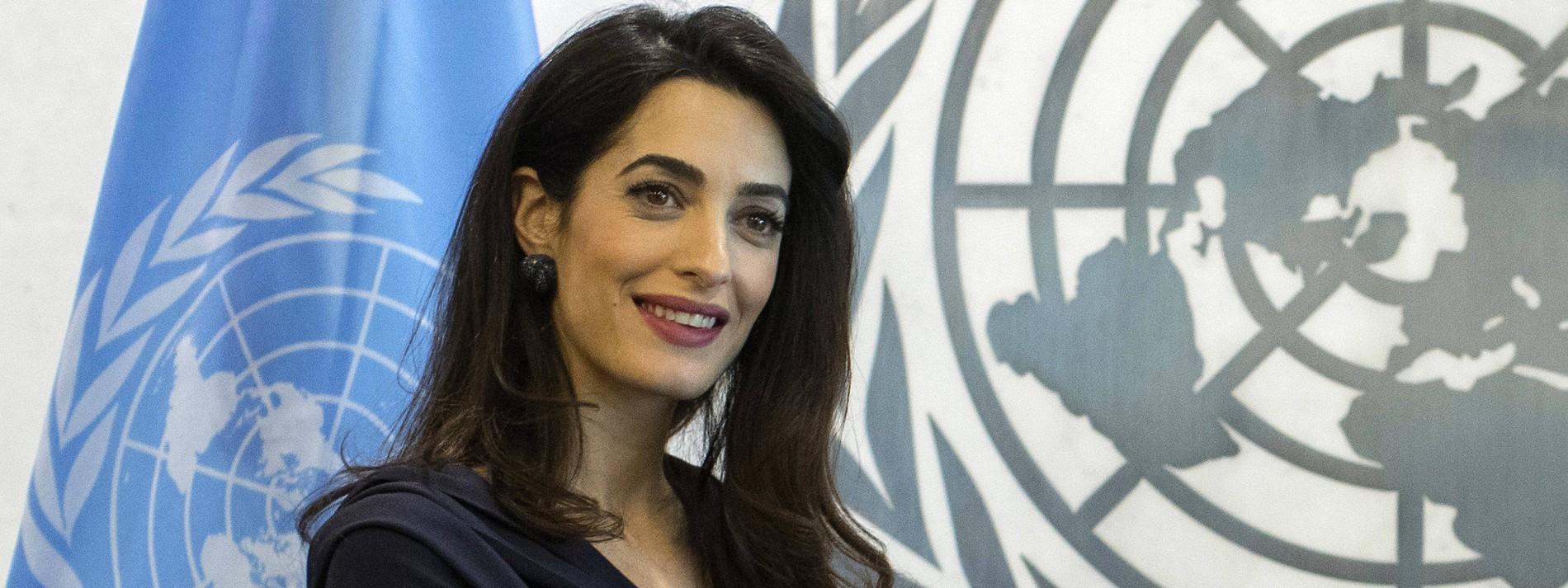 Amal Clooney hält sich den Morgen für ihre Zwillinge frei