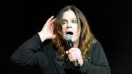 Helene Fischer in ihrer Gothic-Phase 2003? Oder doch Ozzy Osbourne?