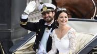 Kaum Alkohol zur Hochzeit von Schwedens Prinz Carl Philip und Sofia: Es wird gemunkelt, sie sei schwanger.